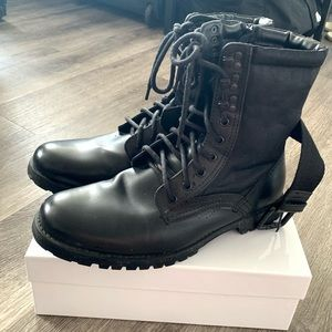 Black Belted man winter boots size 10